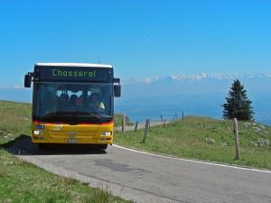 Mit dem Postauto unterwegs im Regionalpark Chasseral